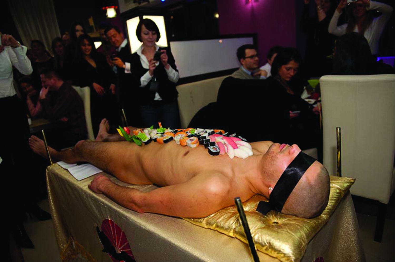 http://www.urbanmagazin.ba/wp-content/uploads/2014/01/body_sushi_panienski_10_.jpg